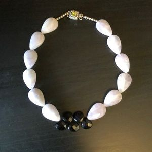 Jewelry - Lavender and black quartz beaded necklace